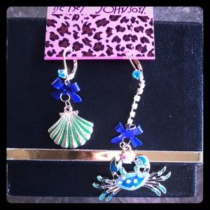 Betsey Johnson Shell and Crab Earrings NWT